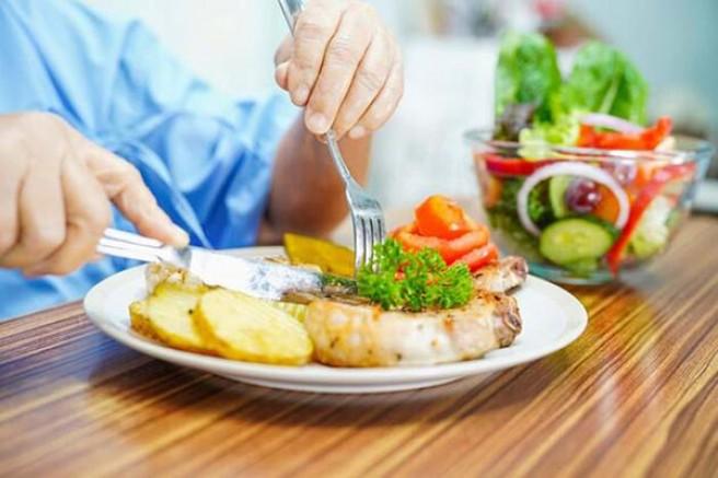 65 yaş üstü kişilere karantina dönemi beslenme önerileri