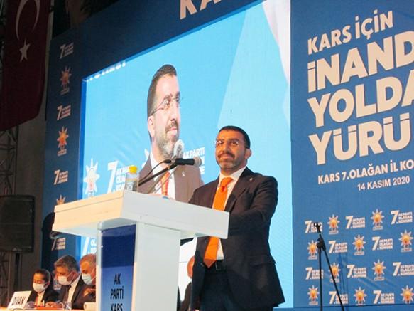 AK Parti Kars İl Başkanı Adem Çalkın, güven tazeledi