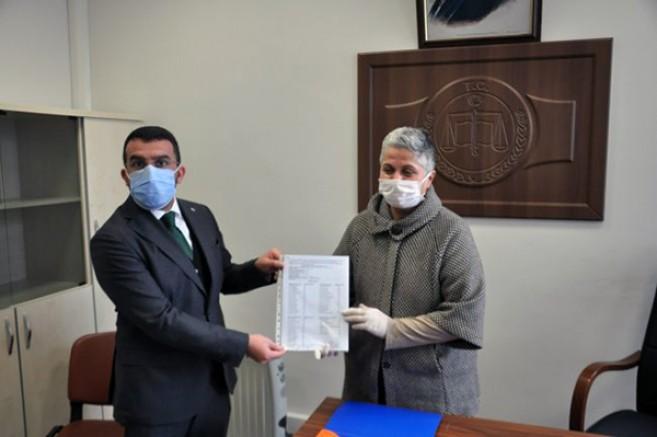 AK Parti Kars İl Başkanı Adem Çalkın, mazbatasını aldı