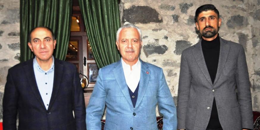 """AK Parti'nin, """"Teşkilat Akademisi"""" eğitimleri Kars'ta da devam ediyor"""