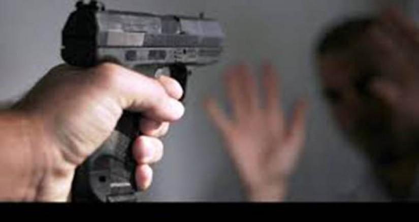 Arpaçay'da, bir kişi kızını öldürdü, eşini yaraladı