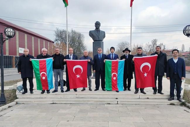 """""""Azerbaycan'ın zaferini yüreğimizde hissettik"""""""