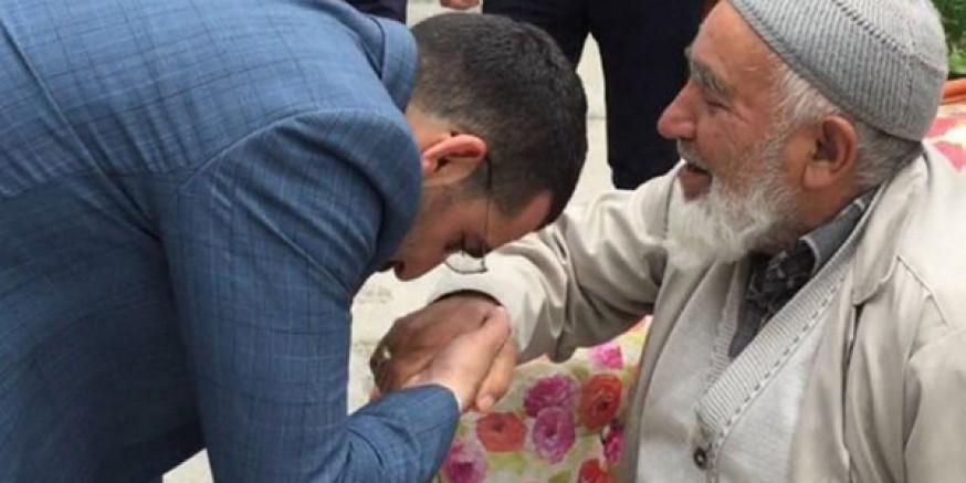 """AK Parti İl Başkanı Adem Çalkın, """"Yaşlıların 7 gün 24 saat emrindeyiz"""""""