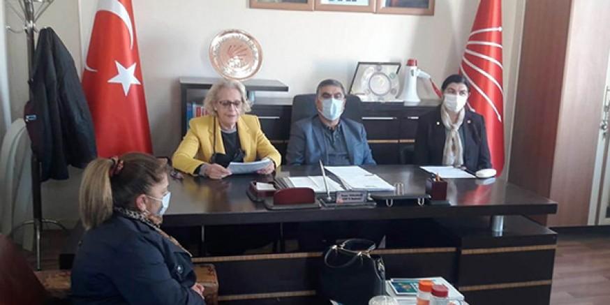 CHP Kadın Kolları Doğu Anadolu Bölge Sorumlusu İl Başkanlığını ziyaret etti