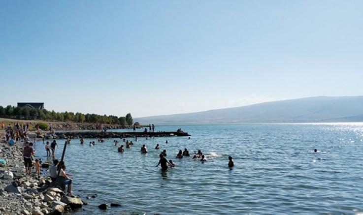 Dünyanın yüz harikasından biri: Çıldır Gölü hayat veriyor