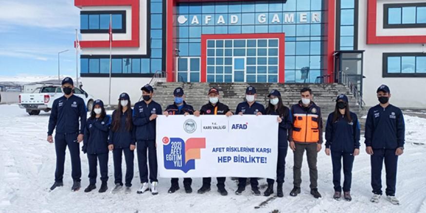 Genç Sporcular Kars'ı temsil etmek için İzmir'e gönderildi