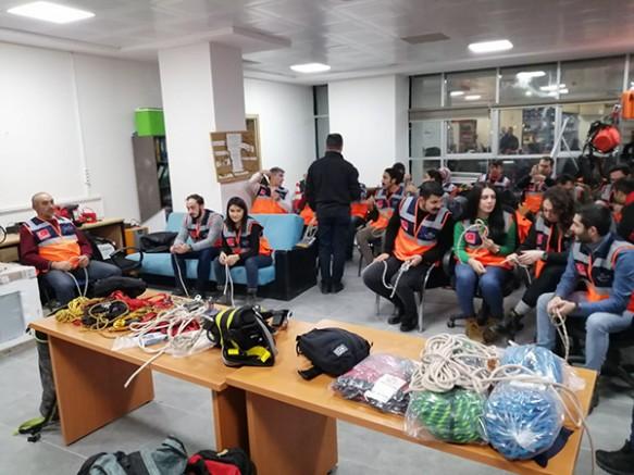Kars'ta, AFAD gönüllülerine ip düğümleme eğitimi