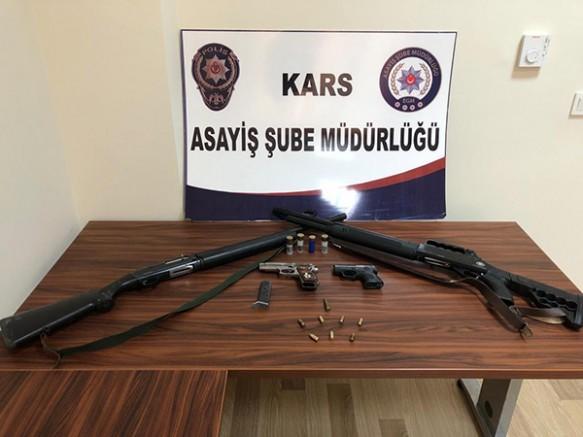 Kars'ta, cinayet olayına karışan zanlı aranıyor