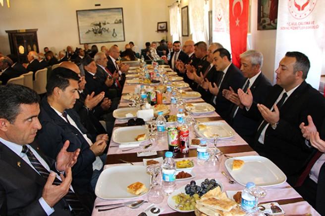 Kars'ta, Gaziler onuruna yemek verildi