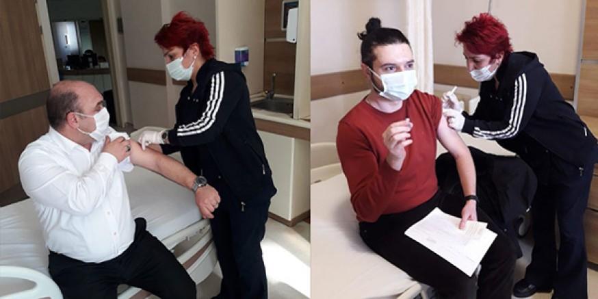 Kars'ta, sağlık çalışanlarından kovid-19 aşısına büyük ilgi