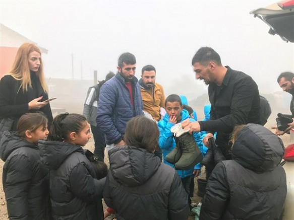 Kışlık giyim malzemeleri ihtiyaç sahibi çocuklara ulaştı