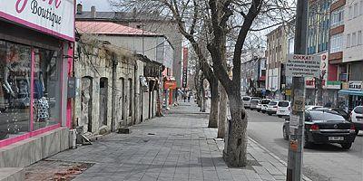 Kars'ta, gençler yasakla birlikte evlere kapandı