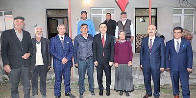 Vali Türker Öksüz, başarılı kadın çiftçiyi tebrik etti