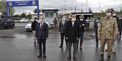 Vali Türker Öksüz, güvenlik noktalarını ziyaret etti