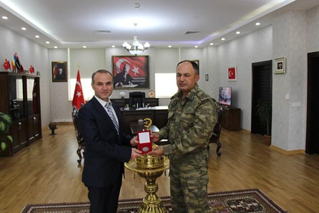 Tuğgeneral Özgür Nuhut, Emniyet Müdürü Yavuz Sağdıç'ı ziyaret etti