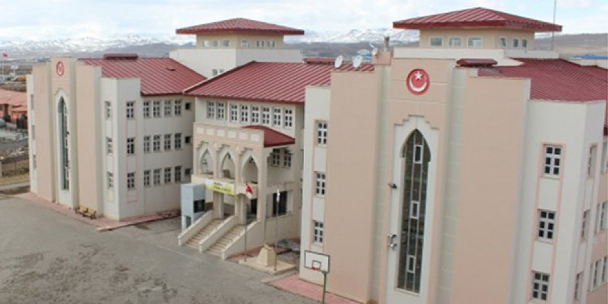 Türkiye 526'ıncısı ve YKS Kars birincisi Fen Lisesinden