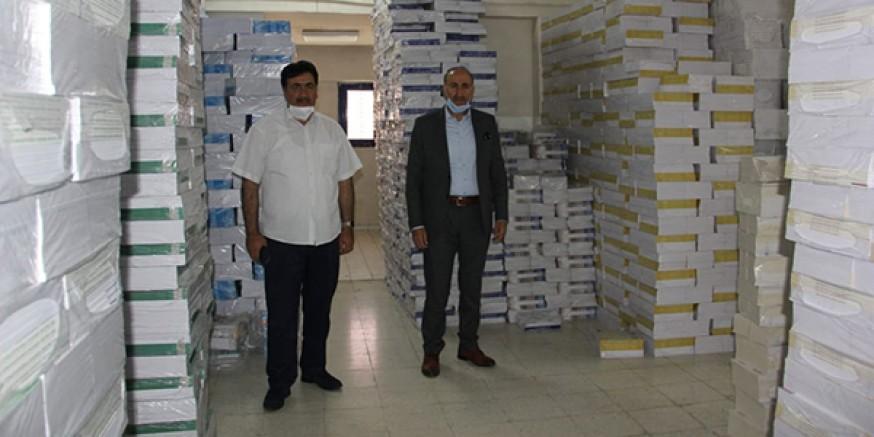 Ücretsiz ders kitapları Kars'a geldi